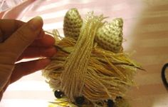Novice Sandy on Knitting Paradise found this absolutely adorable pattern for an Amigurumi Yorkie . The only problem is the pat. Crochet Dragon Pattern, Crochet Keychain Pattern, Animal Knitting Patterns, Crochet Amigurumi Free Patterns, Stuffed Animal Patterns, Crochet Patterns Amigurumi, Diy Crochet Amigurumi, Crochet Mouse, Amigurumi Tutorial