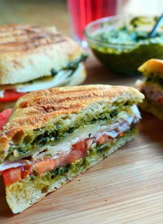 Turkey & Pesto sandwich - totally making this for lunch today yummm