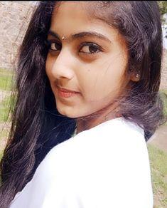 Indian Natural Beauty, Indian Beauty Saree, Samantha Images, Indian Actress Images, Saree Photoshoot, Nice Girl, Indian Teen, Cute Girl Photo, Dresses Kids Girl