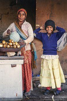 Roasted corn kernels (Bhutta) . Rural India