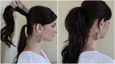 下の結び目が見えないように髪を巻いておき、目立たない色のヘアゴムで髪の毛をまとめましょう。