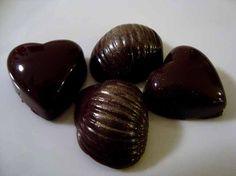 Hjemmelavede fyldte chokolader