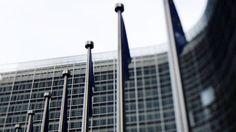Gefährliche Geheimnisse Wie USA und EU den Freihandel planen: In diesen Wochen verhandeln die USA und die EU hinter verschlossenen Türen über ein Freihandelsabkommen, das 2015 in Kraft treten soll. Die Geheimverhandlungen bedrohen massiv die Rechte der Bürger in Europa.