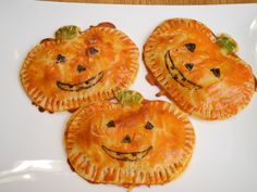 Easy to Make Pizza Pumpkins Recipe for Halloween Party! Halloween Food Idea - Daily Dish Magazine