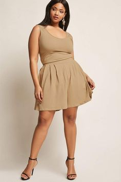 Forever 21 Rebdolls Plus Size Romper A knit romper by RebollsTM featuring a scoop neck and back, sleeveless cut, and front pleats. Plus Size Romper, Plus Size Jumpsuit, Plus Size Jeans, Plus Size Vintage Dresses, Plus Size Dresses, Plus Size Outfits, Top Clothing Brands, Maxi Romper, Full Figure Fashion