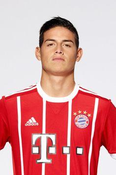 James Rodriguez of FC Bayern Munich poses during the team. James Rodriguez, World Football, Football Jerseys, Football Humor, James 10, Thomas Muller, Fc Bayern Munich, Football Players, Cute Boys
