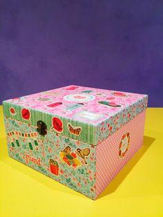 La caja de Marisol. Caja de madera forrada con papel. Wood boxes.