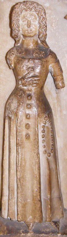 Weeper of Thomas Beauchamp and wife Katherine mortimer, 1369, Weeper 24 http://www.themcs.org/costume/Female/Warwick%20-%20St%20Mary%20Thomas%20Beauchamp%201369%20and%20wife%20Katherine%20mortimer%201369%20weeper%2024%20female%2088.JPG