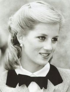 This was before she was Princess Diana. Diana Spencer,just lovely. Lady Diana Spencer, John Spencer, Prinz Charles, Prinz William, Princesa Diana, Royal Princess, Princess Of Wales, Princess Diana Hair, Kate Middleton