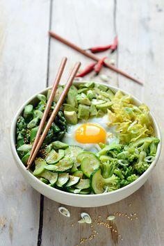 Dorian cuisine.com Mais pourquoi est-ce que je vous raconte ça... : Le vendredi c'est No Meat Today! Bibimbap tout vert!!!