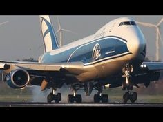 Boeing 747 NEW generation vs. Boeing 747 CLASSIC - YouTube