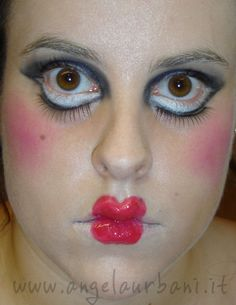 tutorial trucco bambola assassina killer doll halloween 2012 Angela presenta Avon & Yves Rocher horror spaventoso festa in maschera