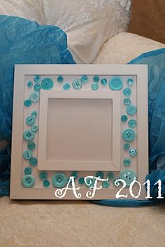 Simple button frames make beautiful gifts.