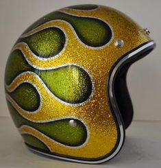 Gold Candy, Old School Chopper, Bike Details, Paint Schemes, Old Things, Choppers, Helmets, Pagan, Painting