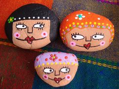 Piedras pintadas by rebeca maltos, via Flickr