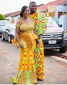 Ghanaian Kente fabric and styles is are becoming increasingly popular at African traditional wedding ceremonies bridal styles and dresses African Bridesmaid Dresses, African Wedding Attire, African Print Dresses, African Print Fashion, African Attire, African Weddings, Ethnic Fashion, African Wear Designs, African Lace Styles