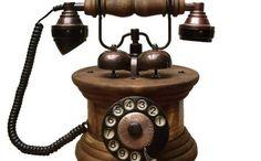Imperador: telefone de madeira com peças de metal e o discador fica embutido neste modelo. O aparelho custa R$ 349,99 (Foto: Reprodução/Telefone Antigo)
