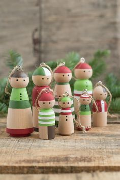 DIY: Wooden Peg Doll Ornaments — make a whole family!