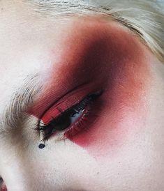 Eye Makeup Tips.Smokey Eye Makeup Tips - For a Catchy and Impressive Look Eye Makeup, Makeup Art, Makeup Tips, Beauty Makeup, Hair Makeup, Geisha Makeup, Makeup Ideas, Alien Makeup, Devil Makeup