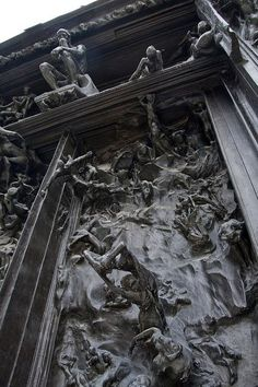 Eternal...Gates of hell by Rodin, detail, at Musee Rodin in Paris, France, photo by Jon Himoff via Flickr. Eterno... Puertas del infierno por rodin, detalle, en musee rodin en París, Francia, foto por jon himoff vía flickr.