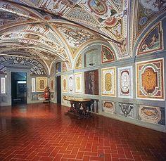 J3 - Palazzo Pitti, Museo degli Argenti, RR p.201 8h15-18h30 en avril http://www.polomuseale.firenze.it/en/musei/?m=argenti