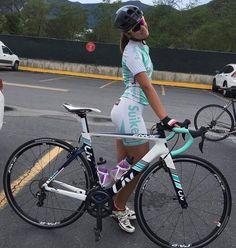 1,976 vind-ik-leuks, 15 reacties - Angelo DeAngelis (@moonsbreakfast) op Instagram: '#beautiful #beauty #gorgeous #cycling #cycle #bike #girlsonbikes #triathlon #timetrial…'