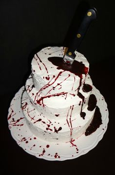 Blood splatter cake, awesome Halloween idea ;)