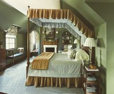 House Tour: Birmingham Beautylove the custom canopy Green Rooms, Bedroom Green, Bedroom Decor, Master Bedroom, Green Paint Colors, Bedroom Paint Colors, Beautiful Bedroom Designs, Beautiful Bedrooms, Old World Style