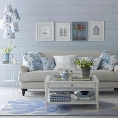 living room ideas in every style! Mix and Chic: Beautiful living room ideas in every style!Mix and Chic: Beautiful living room ideas in every style! Coastal Living Rooms, Elegant Living Room, Beautiful Living Rooms, My Living Room, Living Room Decor, Cottage Living, Cottage Style, Living Area, Living Furniture