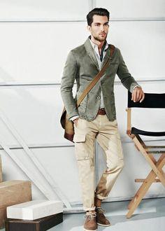 dudesmodernos: Cropped blazer, barra da calça dobrada, manbag