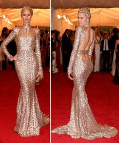 Died and went to heaven - Karolina Kurkova wearing a dress by Rachel Zoe. OMG!! I wannnttt! Without the headband though :S