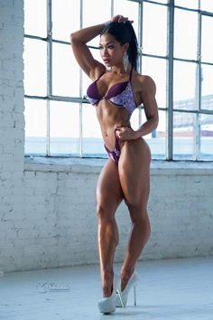 Female Form #StrongIsBeautiful  #Motivation #WomenLift2  Tina Nguyen