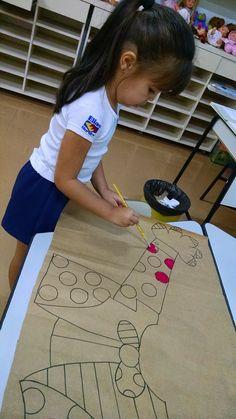 Top 15 collaborative projects for the new school year The New School, New School Year, Art For Kids, Crafts For Kids, Alphabet Games, Art Curriculum, Brown Art, Preschool Classroom, Elementary Art