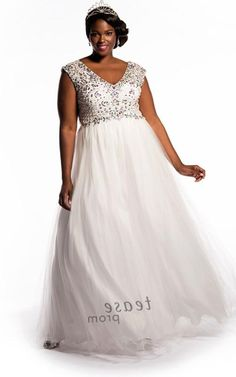 White plus size prom dress - http://pluslook.eu/dresses/white-plus-size-prom-dress.html. #dress #woman #plussize #dresses