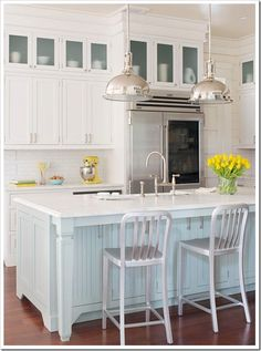 Coastal Kitchen- I love the beach cottage look of this. Touches of blue would make it perfect for me:-)