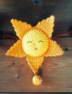 Zonnetje haakpatroon - Freubelweb :Freubelweb Knit Or Crochet, Crochet Toys, Crochet Summer, Bunting, Crochet Earrings, Knitting, Handmade, Jewelry, Inspiration