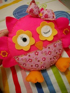 Coruja Owl Crafts, Cute Crafts, Crafts To Make, Crafts For Kids, Arts And Crafts, Owl Fabric, Fabric Crafts, Sewing Crafts, Sewing Projects