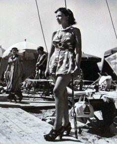 Deauville beach fashion | Retronaut 1938