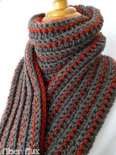Reversible #crochet scarf free pattern @fiberflux
