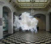 Fascinated by temporality and duality, Dutch artist Berndnaut Smilde creates and photographs real life clouds inside empty spaces. No photoshop involved here, folks. He starts by regulating the temperature and humidity of the space and then sprays a… Dame Nature, Air And Space Museum, The Uncanny, Green Rooms, Dutch Artists, High Art, Land Art, Art Design, Innovation Design