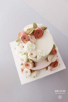 단아한 배우 박민영님께 드리는 생일 2단 플라워케이크_AM1122 CAKE : 네이버 블로그
