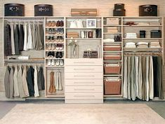 Resultado de imagem para closet feminino bem planejado.
