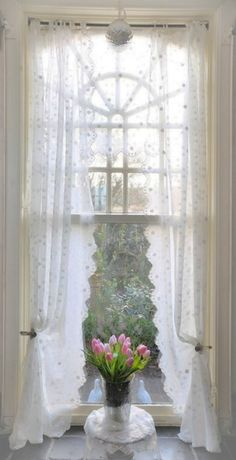 43 Ideas For Bedroom Window Dressing Shabby Chic Curtains Cortinas Shabby Chic, Baños Shabby Chic, Shabby Chic Curtains, Shabby Chic Bedrooms, Shabby Chic Homes, Drapes Curtains, White Curtains, Country Curtains, Cottage Windows