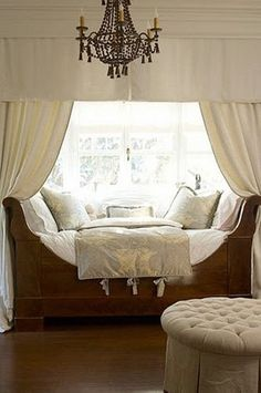 Daybed in front of window...great look
