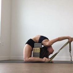 Yoga Inspiration (@yoga.session) в Instagram: «Quitting the things that don't serve your best self is taking your power back. - Today marks 30…»