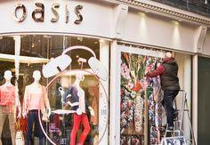 Oasis :: retail graphics   Macro Art