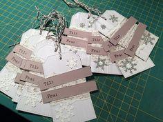 scrappehjertet.blogspot.no: Pakkelapper til julegavene Scrapbooking, Gift Wrapping, Gifts, Gift Wrapping Paper, Presents, Wrapping Gifts, Scrapbooks, Memory Books, Favors