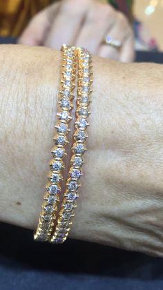 Gold Bangles Design, Gold Earrings Designs, Necklace Designs, Jewelry Design, Wedding Jewelry, Gold Jewelry, India Jewelry, Jewelery, Gold Necklace