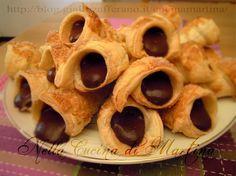 cannoncini di pasta sfoglia al cioccolato