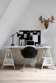 Check Out 15 Functional Home Office Design Ideas To Try. You don't have to have to dedicate an entire room to create an aesthetically pleasing and functional home office space. Office Workspace, Office Decor, Office Ideas, Office Table, Office Chairs, Ikea Office, Attic Office, Attic Closet, Office Setup
